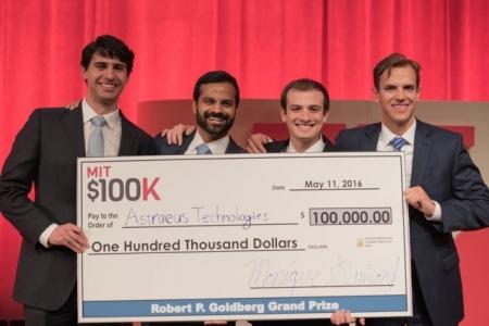 "Lung cancer ""breathalyzer"" wins $100K Entrepreneurship Competition"